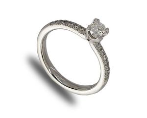 18ct white gold diamond ring, diamond shoulders